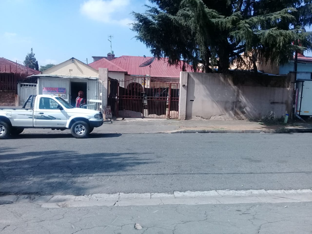 INVESTMENT 3 BEDROOM HOUSE - REGENTS PARK, JHB SOUTH