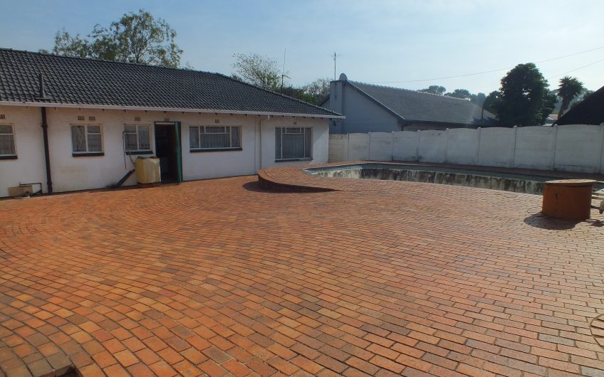 (HOT OFFER) 3 BED HOUSE – RIDGE WAY, JHB