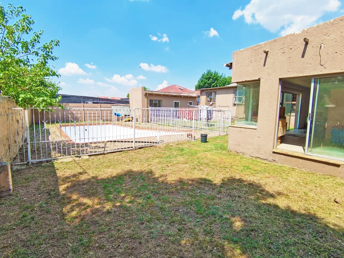 3 BEDROOM HOUSE - THE HILL - JHB SOUTH